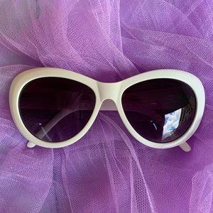 Chinese Laundry🌻white sunglasses